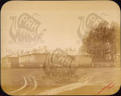 Q.164 - 12      г.Козельск. Калужская губерния. Деревянное здание земской больницы – общий вид. Снимок Гольдберга, май 1887  года.